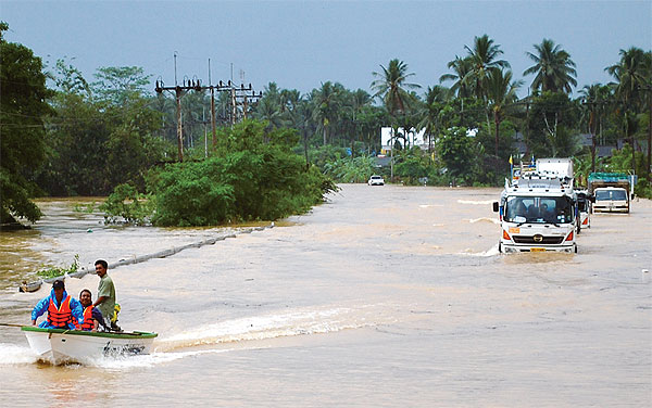 Floods Submerge South Thailand (2/6)